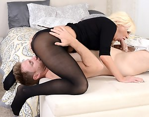 Free MILF 69 Porn Pictures